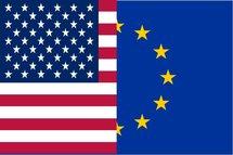 Le taux de change euro-dollar US (EUR/USD) progresse de 1.3%, à 1.323 $/€