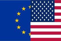 Le taux de change euro dollar US (EUR/USD) en baisse vendredi de 0.8%, à 1.361 $/€